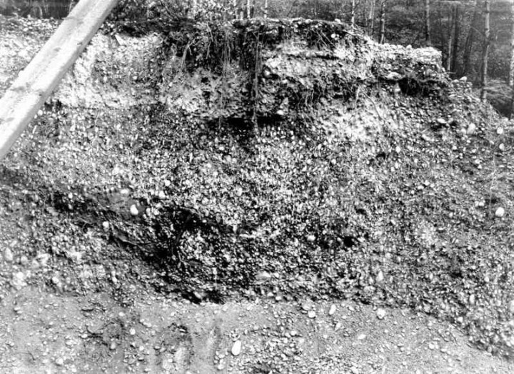 An active gravel pit in Holdens Wood in 1923 Copyright: Gerald Lucy