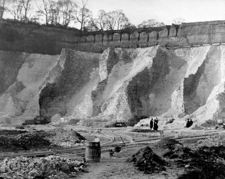 Grays Chalk Pit in 1910 during a Geologists Association visit Copyright: Geologists Association