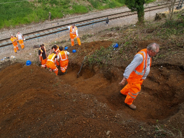 Re-excavating the Hornchurch cutting in May 2010. Copyright: Gerald Lucy